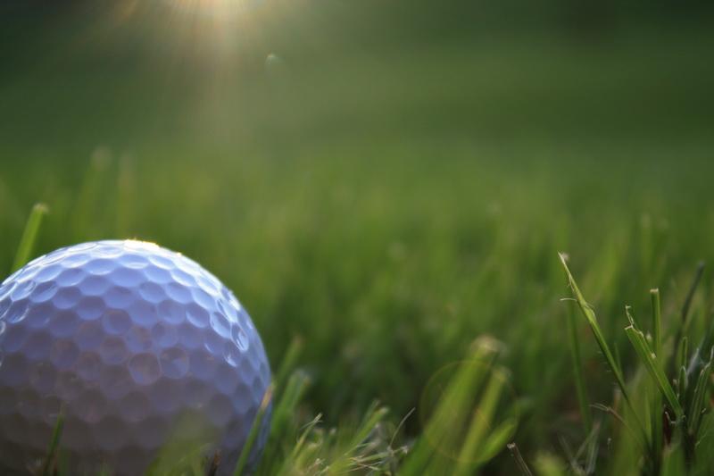 Golf y cerros